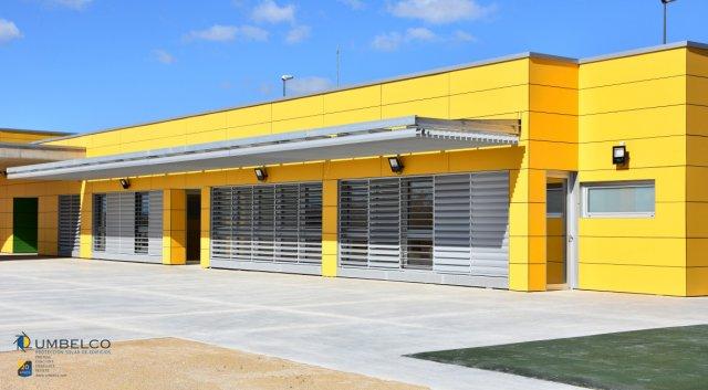 Fachada ventilada TRESPA para Colegio Sobradiel