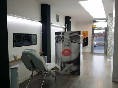 Foto interior licencia de apertura de un gabinete de estética