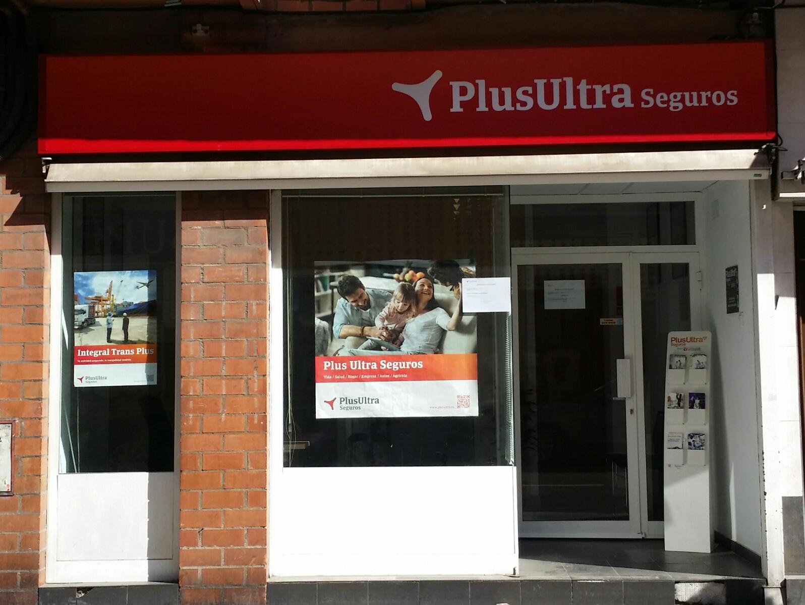 Apertura de Oficinas Plus Ultra Seguros en Zaragoza